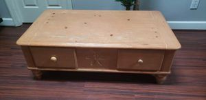 Broyhill Coffee Table for Sale in Durham, NC