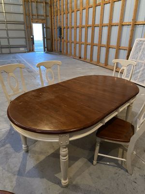 Dining room table set for Sale in Appleton, WI