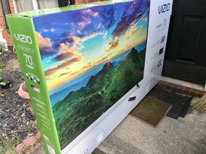 "VIZIO 70"" Class D-Series 4K (2160P) Ultra HD HDR Smart LED TV Vizio D70-F3 Model 2018 Brand New In Box for Sale in Sandy Springs, GA"