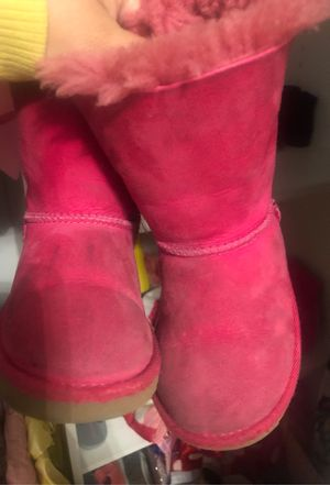 Toddler ugg boots for Sale in Pico Rivera, CA