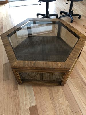 Coffee Table - FREE for Sale in Vancouver, WA