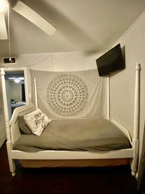 Children's twin size bed w/ mattress, dresser & night stand for Sale in Fresno, CA