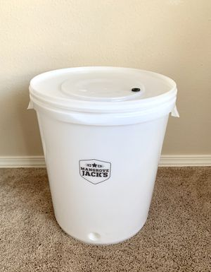 30 liter Fermenting Pail for Sale in Everett, WA