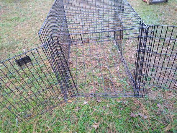 XXL Dog Crate / NO Pan /As Is ..80$