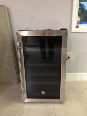 Brand new GE mini fridge/wine cooler for Sale in Tamarac, FL