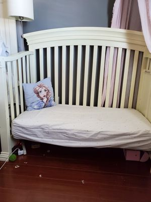 Crib / big girl bed for Sale in Los Angeles, CA