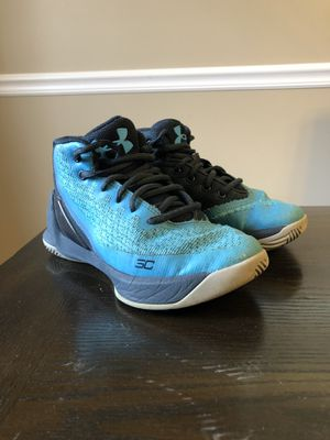 Boys Under Armour Steph Currys Size 12.5K for Sale in Westchester, IL