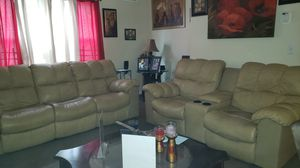 Reclining Sectional beige for Sale in Cleveland, OH