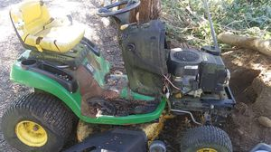 Riding Lawn Mower/John Deere/ L110 {link removed}° Engines for Sale in Enumclaw, WA