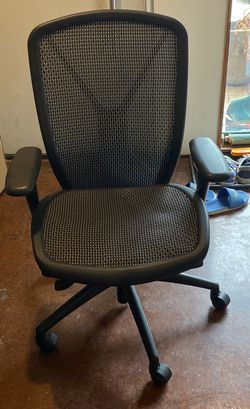 Desk Chair And Desk for Sale in Pittsburgh,  PA