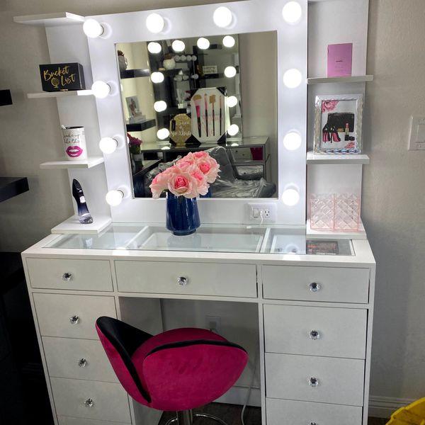 Crystal Knobs Vanity
