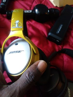 Bose bluetooth heasphones 100$ New without box for Sale in Dallas, TX