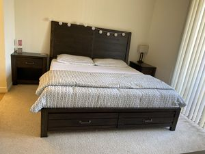King Bed and Mattress for Sale in Newark, CA