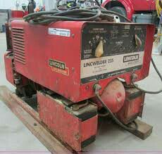 Lincon arc welder 225 with auxilary power for Sale in Kennewick, WA