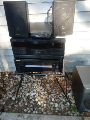 Pioneer receiver whit speakers for Sale in Aurora, IL