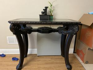 Antique looking Heighted Table for Sale in Bloomfield, NJ