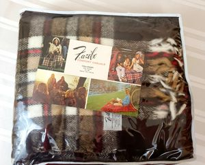 Faribo Comfort Casuals Blanket/Throw for Sale in Tacoma, WA