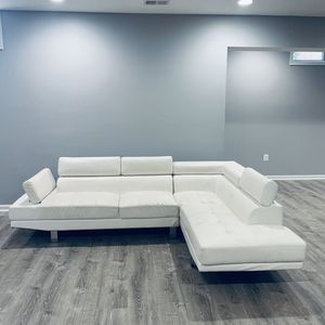 White Leather Sectional for Sale in Fairfax, VA