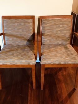 2 2 High Cuality 2 chairs for sale like New check my other items español for Sale in Madera,  CA