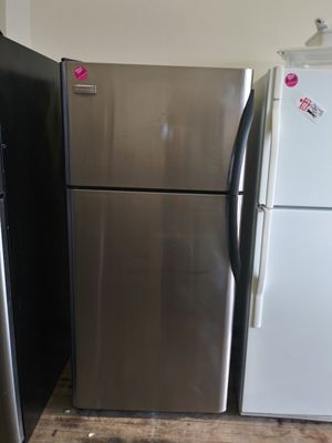 Frigidaire stainless steel top mount refrigerator for Sale in Lorain, OH
