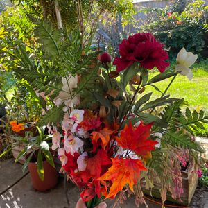 Flowers And Vase for Sale in Fremont, CA