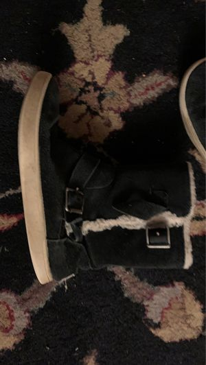 Kids Ugg boot size 12 for girls for Sale in Rockville, MD