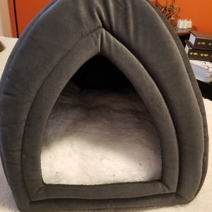 Soft Dome Cat Cubby for Sale in Mill Creek, WA