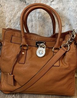 Michael Kors Leather Cognac Hamilton Bag for Sale in Pittsburgh,  PA