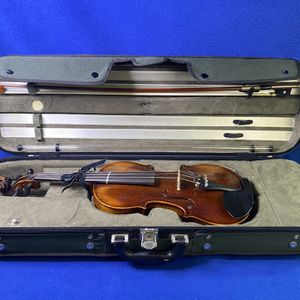 Howard Core & Company AR702HVA (Aloes Reidl/Franz Sandner) Early 2000's Antique Varnish 4/4 Wooden Step Up Violin Complete w/ Core Case for Sale in Marietta, GA