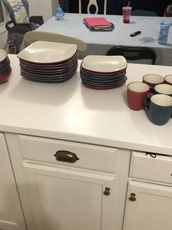Dinner Set for Sale in Galena,  OH