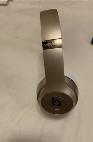 SOLO GOLD BEATS for Sale in New York, NY