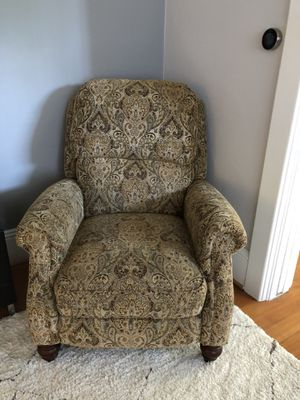 Macy's Vintage Style Recliner for Sale in Seattle, WA