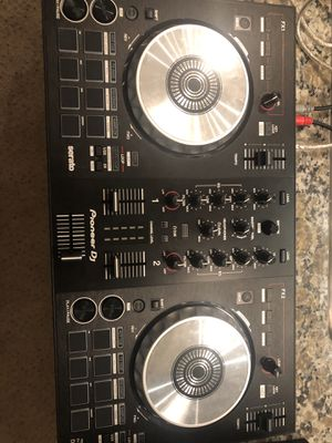 Small Table top DJ setup for Sale in San Antonio, TX