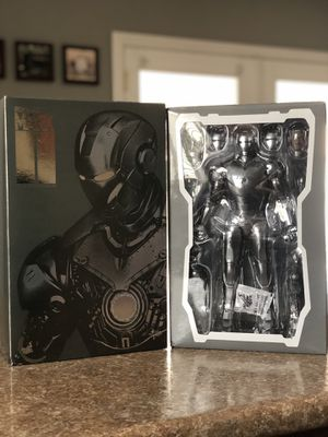 Hot Toys Mark ll Iron Man 2 Armor Unleashed Version MMS150 for Sale in Las Vegas, NV