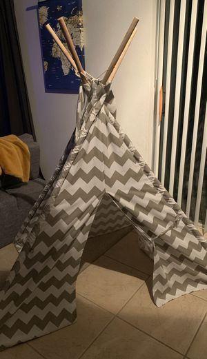 Teepee for Sale in Kissimmee, FL