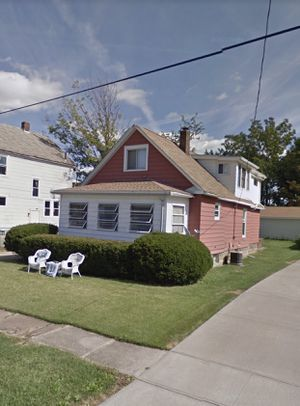 4 Bedroom 2 Bathroom with Lakeview for Sale in Solon, OH