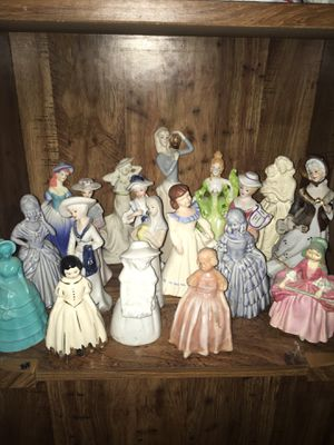 Collection of porcelain and glass figurines! for Sale in Rio Vista, CA