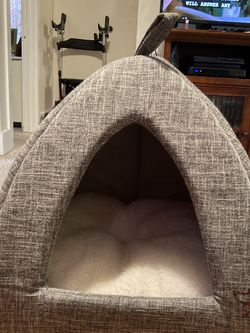 Puppy Or Small Dog Bed for Sale in Everett,  WA