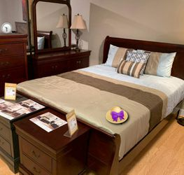 🚛SAMEDAY DELIVERY 🚚HOT DEAL] Louis Philip Cherry Sleigh Bedroom Set 4 for Sale in Laurel,  MD
