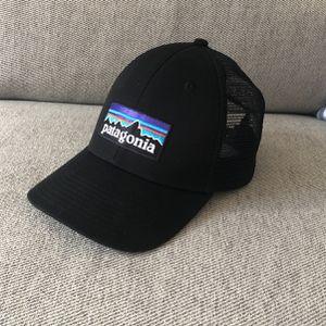 Patagonia P-6 Logo LoPro Trucker Hat Black for Sale in Phoenix, AZ