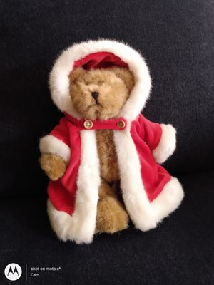 """Christmas Stuffed 🐻 10"""" Bear wearing a beautiful felt and satin lined hooded cape with wooden buttons for Sale in Belleville, MI"""