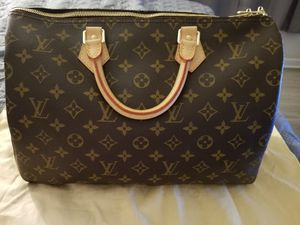Louis Vuitton Monogram Speedy Bandouliere 35 for Sale in Newport News, VA