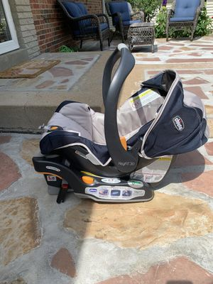 CHICCO KEYFIT30 seat and base for Sale in Affton, MO
