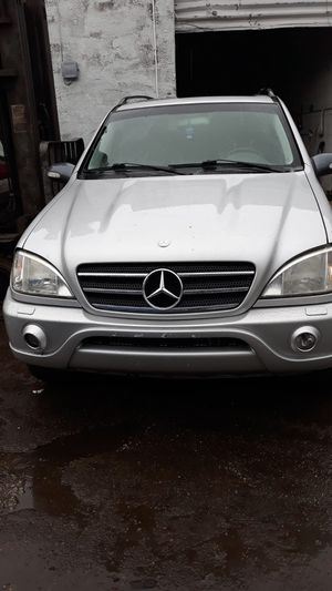 2000 Mercedes ml for parts for Sale in Opa-locka, FL