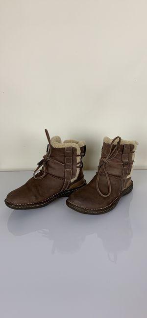 Ugg La Jolla sheepskin boots sz 6 for Sale in Austin, TX