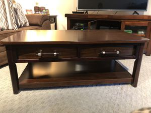 Coffee Table for Sale in Hewlett, NY