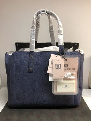 Ivanka Trump Soho Eclipse Tote bag Blue color Battery Charger BRAND NEW WITH TAGS for Sale in Scotch Plains, NJ