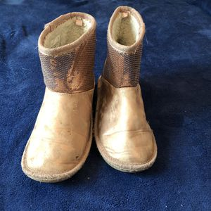 Children place girl boots size 1 for Sale in Jacksonville, FL