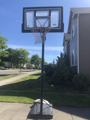 Basketball Ball Hoop for Sale! for Sale in Auburn, WA