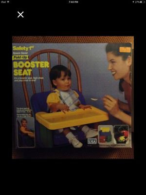 Booster seat with tray for Sale in Pittsburgh, PA